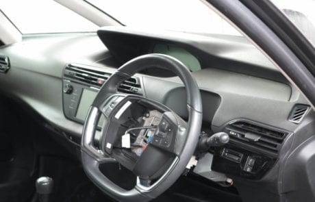 Car Body Work Dashboard Replacement