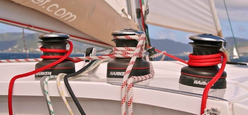 Winches-learning-to-sail-sailchecker.com